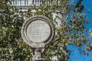 Coluna comemorativa