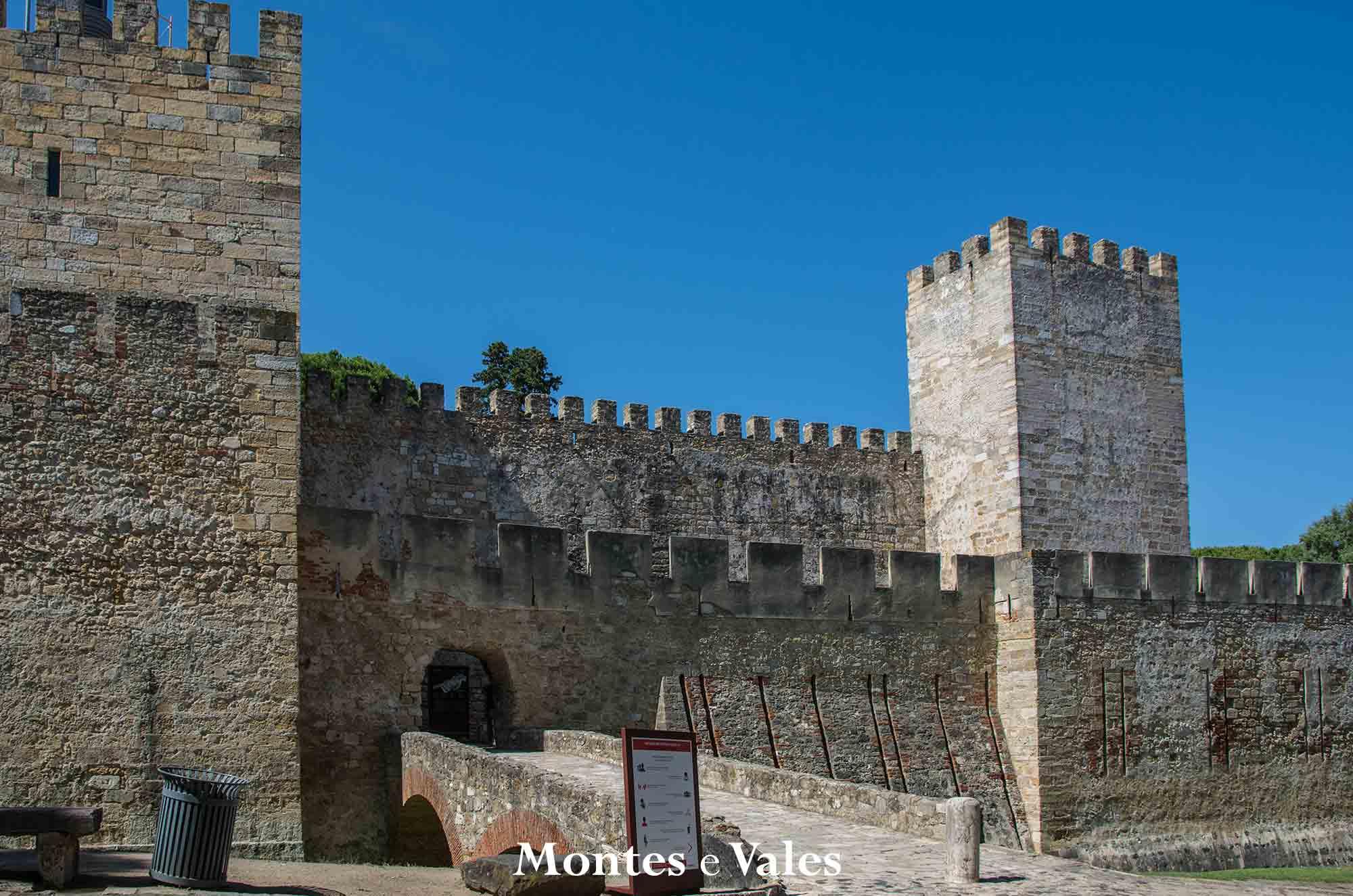Conquista do Castelo de São Jorge - Peddy Paper Virtual Montes e Vales